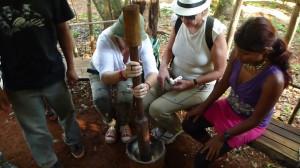 zoqueador-guarani-turistas